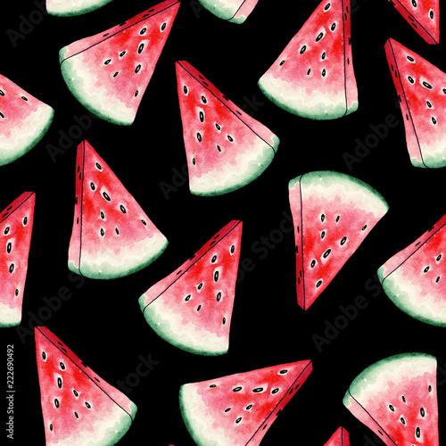 czerwony-arbuz-plastry-wzor-na-czarnym-tle-przekroj-letniej-soczystych-owocow