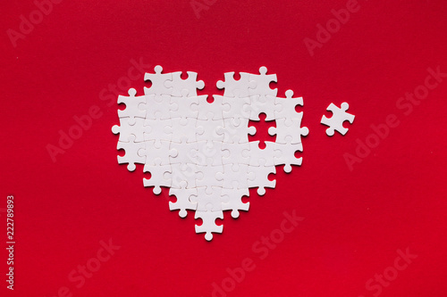 Puzzle heart with one missing piece, health care concept Fototapete