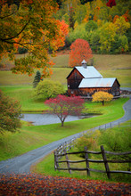 Barn In Vermont Country Side S...