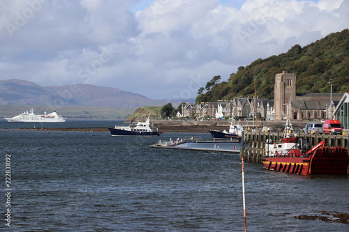 Cuadros en Lienzo Hafenstadt Oban, Schottland