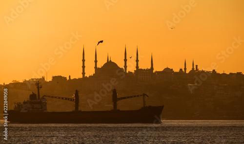 Fotografia  Sunset over the Bosphorus