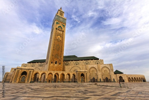 Canvas Print The Courtyard of Hassan 2 Mosque, the largest in Morocco