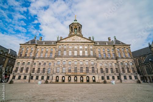 Photo  Morning view of the historical Royal Palace Amsterdam