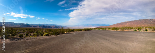 Papiers peints Route 66 Panoramic landscape with road in Death Valley. USA.
