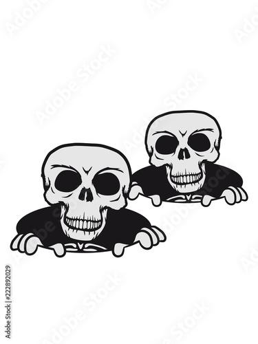 Photo  duo 2 freunde team paar lustig loch boden schädel skelett tot tod knochen horror