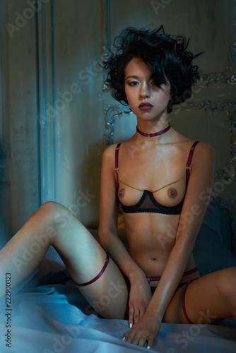 Küchenrückwand aus Glas mit Foto womenART erotic portrait of young beautiful woman in sexy lingerie