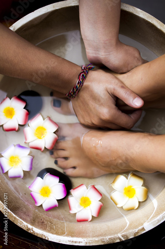 Foto op Plexiglas Massage foot bath