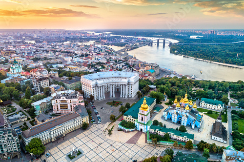Poster Centraal Europa Aerial view of St. Michael Golden-Domed Monastery, Ministry of Foreign Affairs and the Dnieper River in Kiev, Ukraine