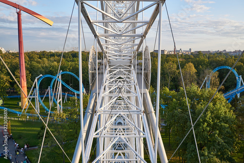 Foto op Plexiglas Amusementspark Amusement park from a height Ferris wheel