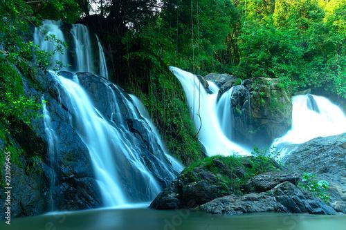 Foto auf Leinwand Wasserfalle Pha Suea Waterfall at Tham Pla-Pha Suea National Park,Mae Hong Son,Northern Thailand