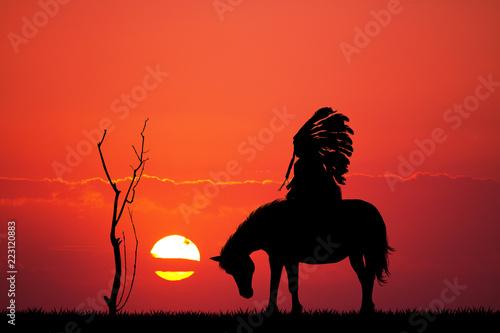 Native American Indian o zachodzie słońca