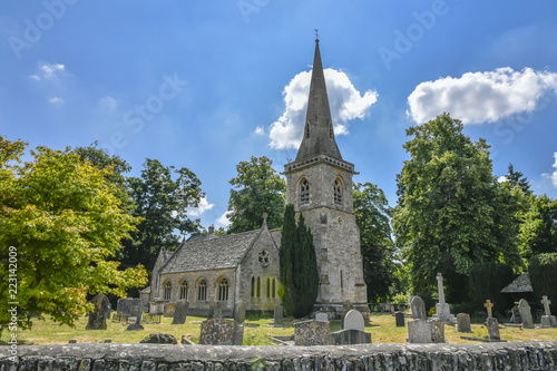 Photo  LOWER SLAUGHTER CHURCH, THE COTSWOLDS, GLOUCESTERSHIRE, ENGLAND