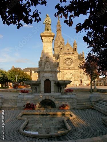 Poster Monument Sanctuaire de Sainte-Anne d'Auray dans le Morbihan en Bretagne. France