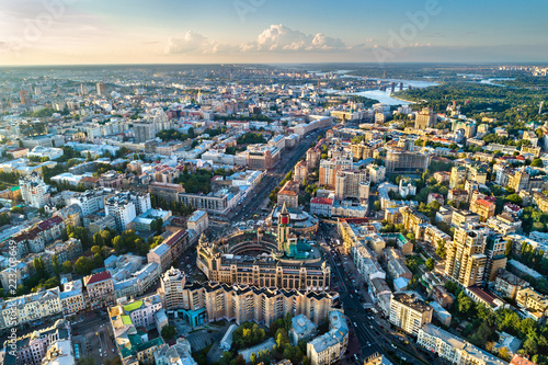 Poster Centraal Europa Aerial view of Besarabka and Khreshchatyk, the main street of Kiev