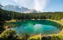 Scorci Del Lago Di Carezza, Karersee, Val D'Ega, Nova Levante, Bolzano, Trentino Alto Adige, Italia