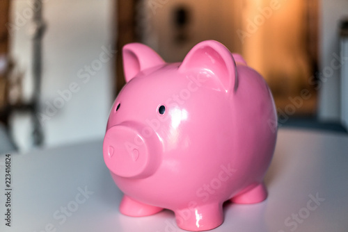 Fototapeta Pink saving piggy bank obraz