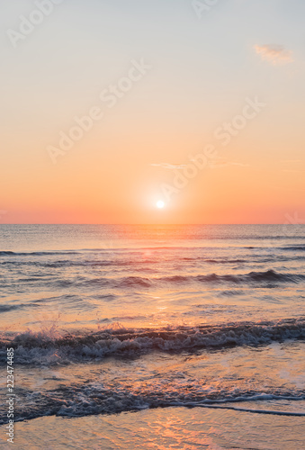 Obraz Amazing colorful sunrise at sea - fototapety do salonu