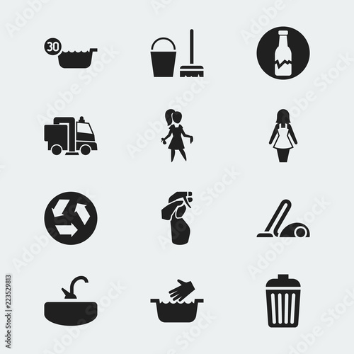 Fotografía  Set of 12 editable cleaning icons