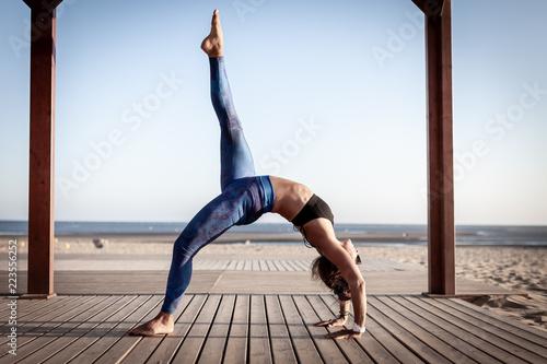 Foto  Yoga girl Spain Andalucia