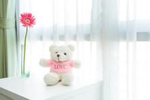 White TEDDY BEAR With Flower