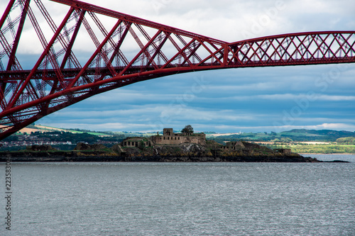 Keuken foto achterwand Bruggen Scottish scenery with Forth Bridge (Edinburgh, Scotland)