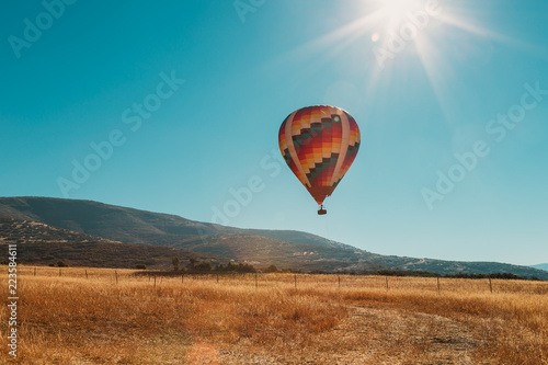 Poster Montgolfière / Dirigeable Hot Air Balloon Ride Over The Wasatch Mountains In Utah USA