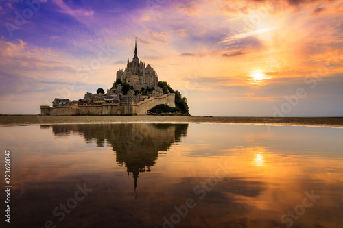 Stampa su Tela Beautiful view of historic landmark Le Mont Saint-Michel in Normandy, France, a