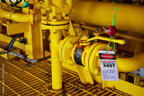 Gas process valve isolation lock out tag out,Lock closed,Lock open.