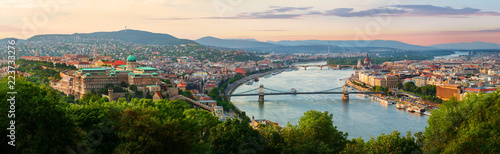 Wall Murals Historical buildings Sunset in summer Budapest