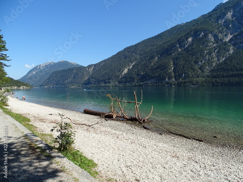 Foto op Canvas Cathedral Cove Achensee in Tirol, Bezirk Schwaz, Wanderweg zwischen Pertisau und Achenkirch über die Gaisalm