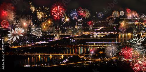 Foto op Canvas Wenen Feuerwerk über Wien