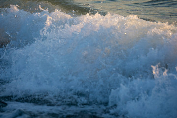 Small and peacefull waves hitting the shore