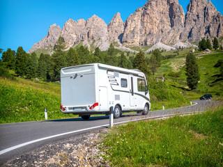 Mit dem Wohnmobil durch die Dolomiten fahren