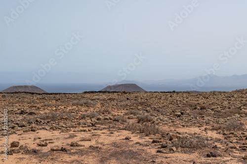 Tuinposter Canarische Eilanden Volcanoes near the ocean