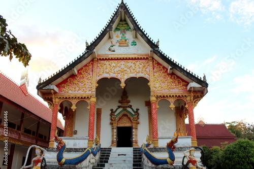Fotobehang Bedehuis Vang Vieng, Laos - December 31, 2015 : Wat That Temple, Vang Vieng