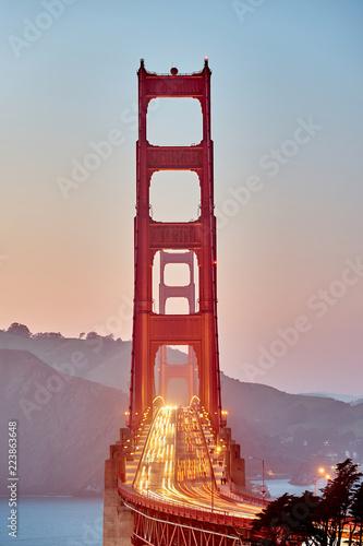 Fotobehang Amerikaanse Plekken Golden Gate Bridge at sunset, San Francisco, California