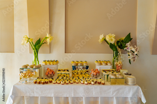 Fantastic Candy Bar A Festive Table With Panakota Macaroons Muffins Interior Design Ideas Grebswwsoteloinfo