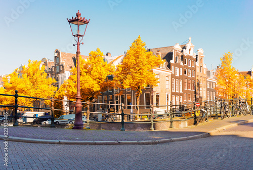Photo  Facades of dutch dancing houses at Amsterdam fall scenery, Netherlands