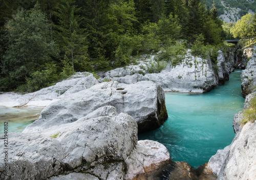 Fotografía  Cold pure Soca river great gorge canyons, Slovenia