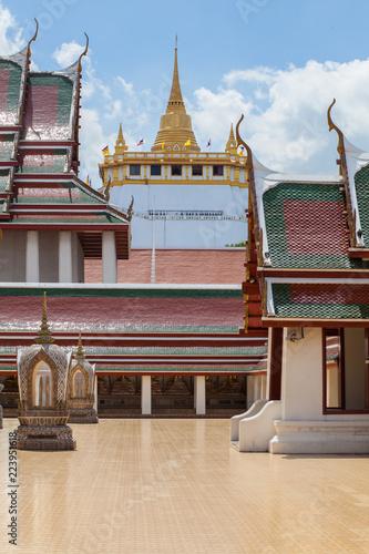 Deurstickers Bedehuis color gold temple mountain gold pagoda in Thailand