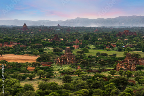 Fotobehang Blauwe hemel Landscape view of ancient temples, Old Bagan, Myanmar (Burma)