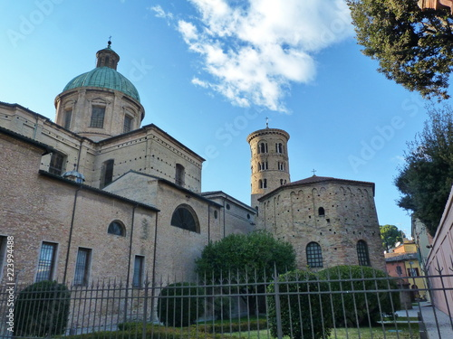 Foto op Aluminium Oude gebouw Ravenna, Italy, the cathedral and the neonian baptistery
