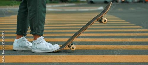 Valokuva Man on skateboard