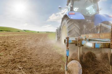 Obraz tracteur et sa charrue à disques