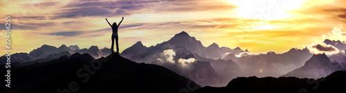 Photo Bergsteigerin am Gipfel