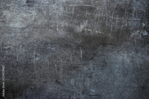 betonowa-porysowana-podloga