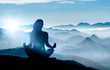 canvas print picture - Yoga / Meditation im Gebirge bei Sonnenaufgang