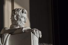 Close Up Abraham Lincoln Statu...