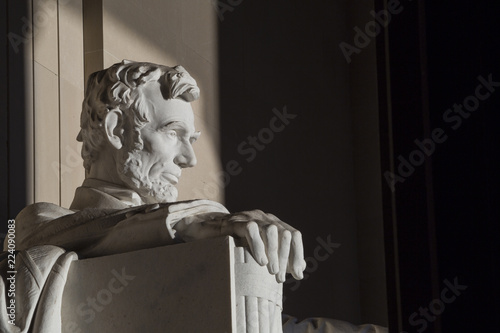 Fotoposter Historisch geb. Close up Abraham Lincoln Statue at Memorial monument Washington DC