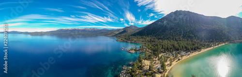 La pose en embrasure Amérique du Sud Aerial View of Lake Tahoe Shoreline